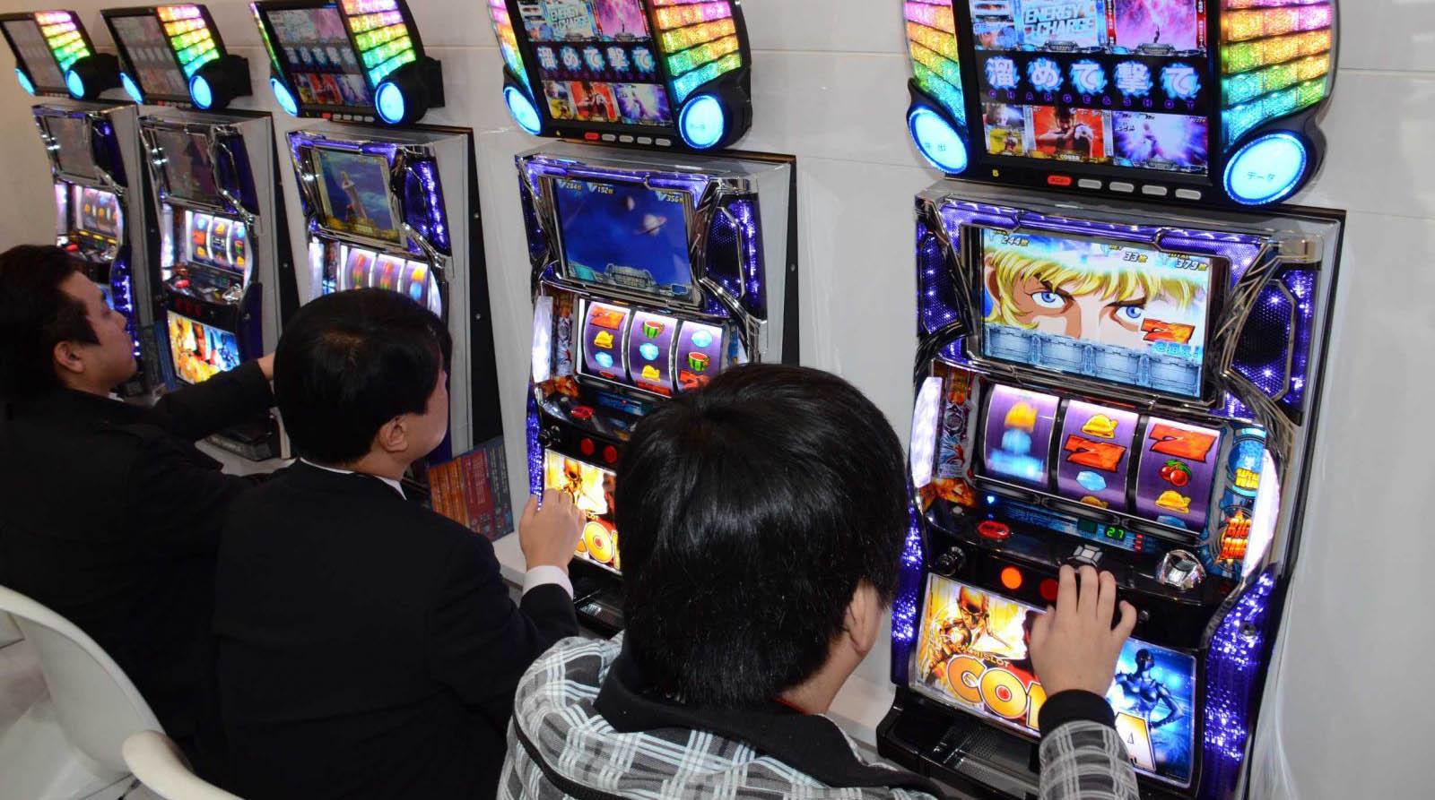 パチスロとオンラインカジノはどちらが勝ちやすいのか
